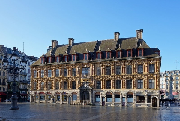 Lille_vieille_bourse_place_theatre.jpg